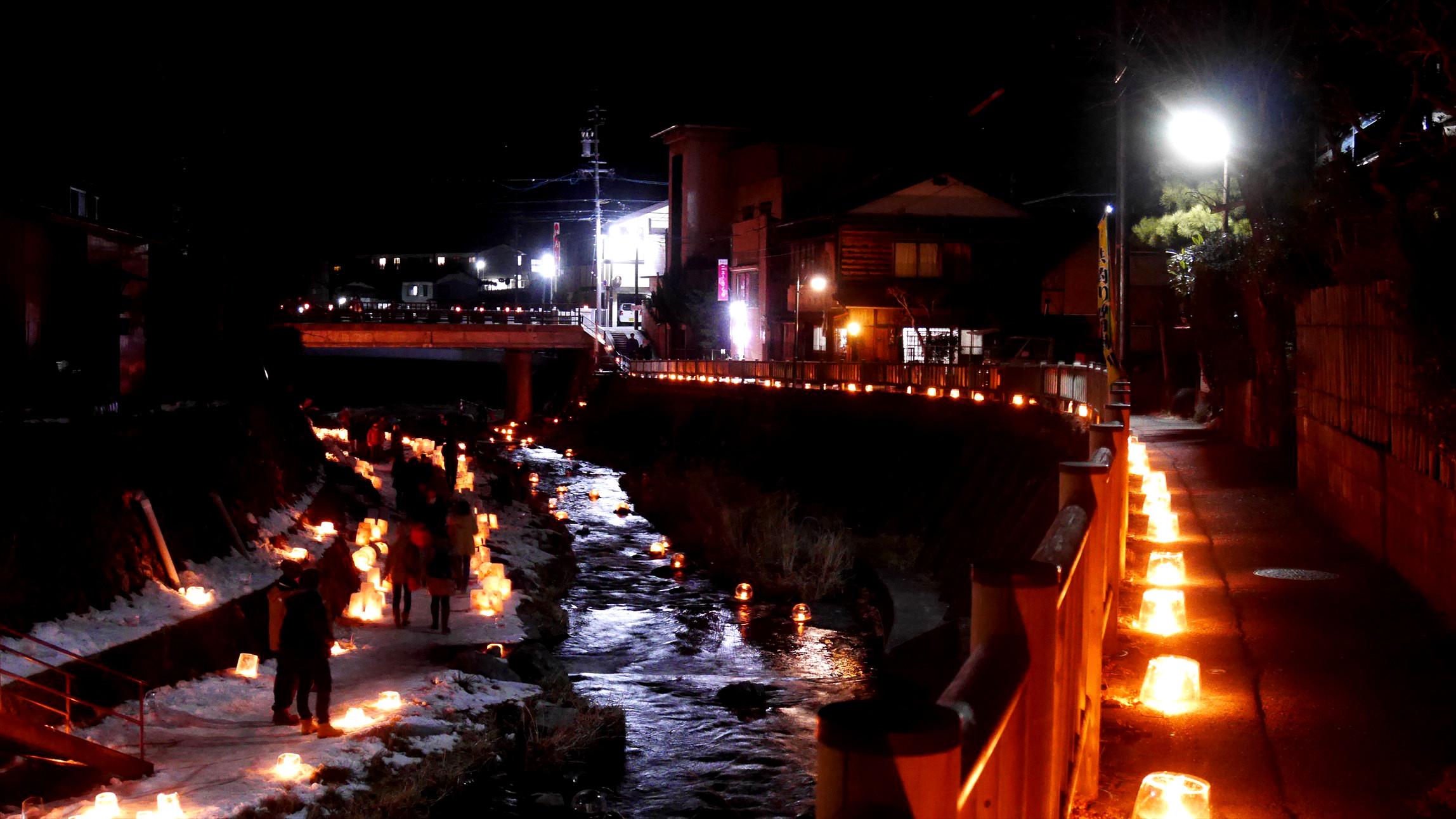 木曽福島の雪灯りってお祭りが綺麗だった