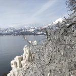 日本じゃないみたい!極寒の芸術「しぶき氷」と磐梯山と猪苗代湖