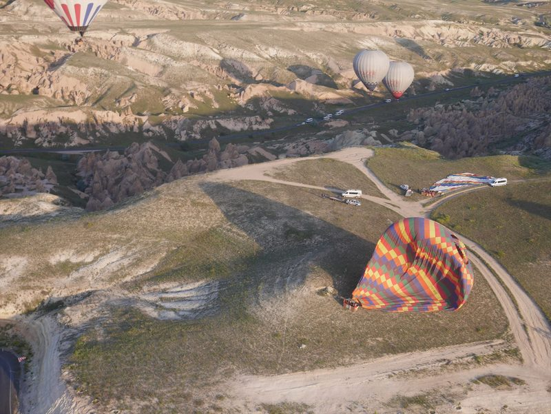 着陸成功した気球