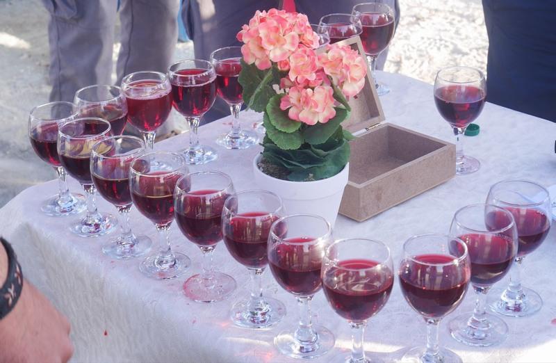 気球から降りたらワイン