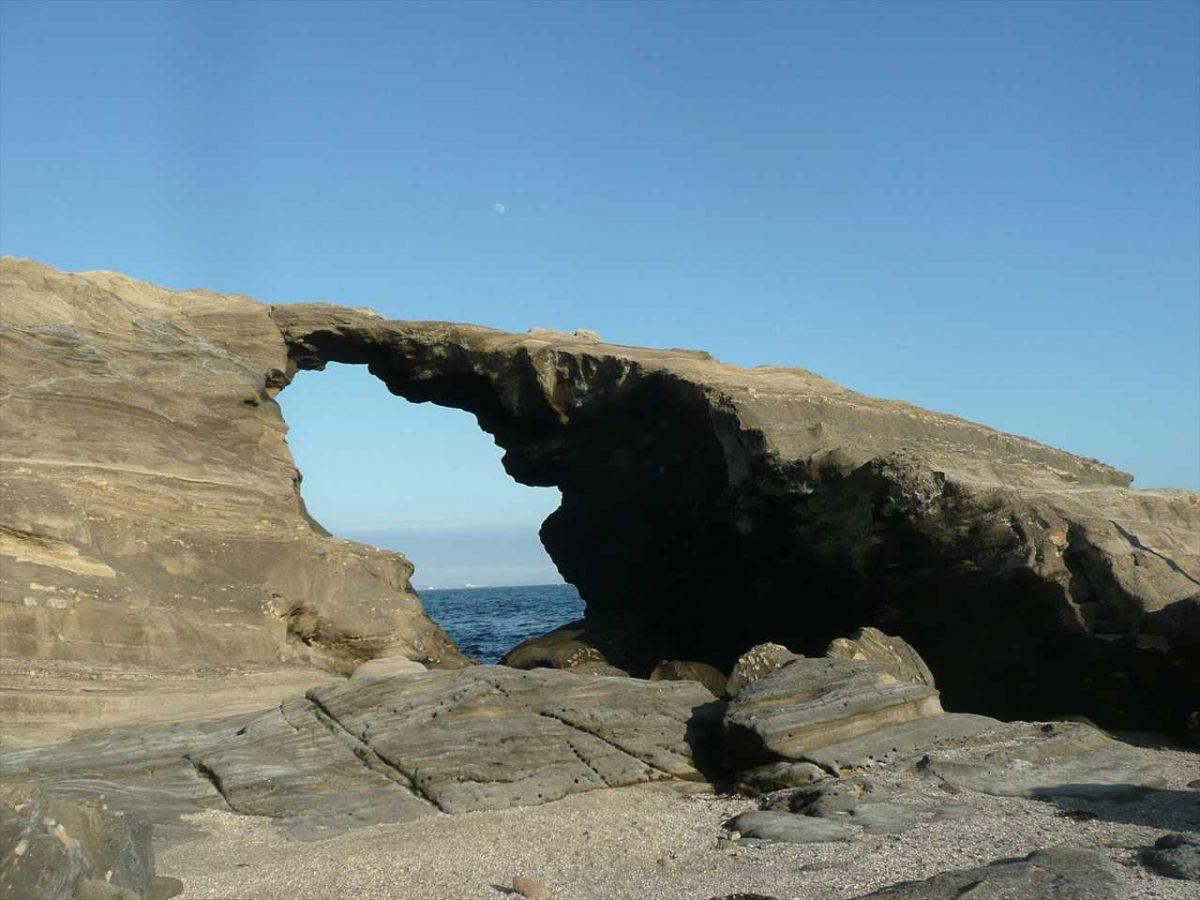 馬の背の洞門