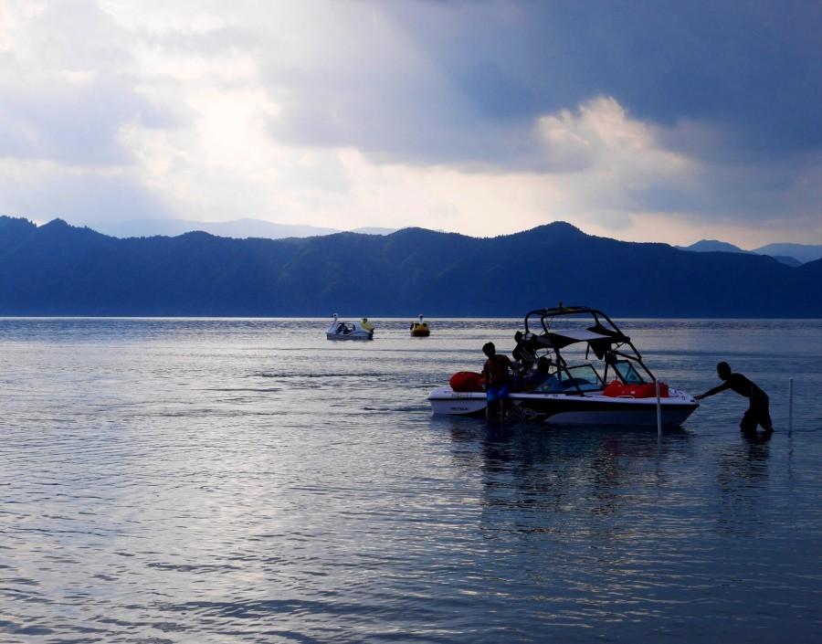 田沢湖ボート遊び