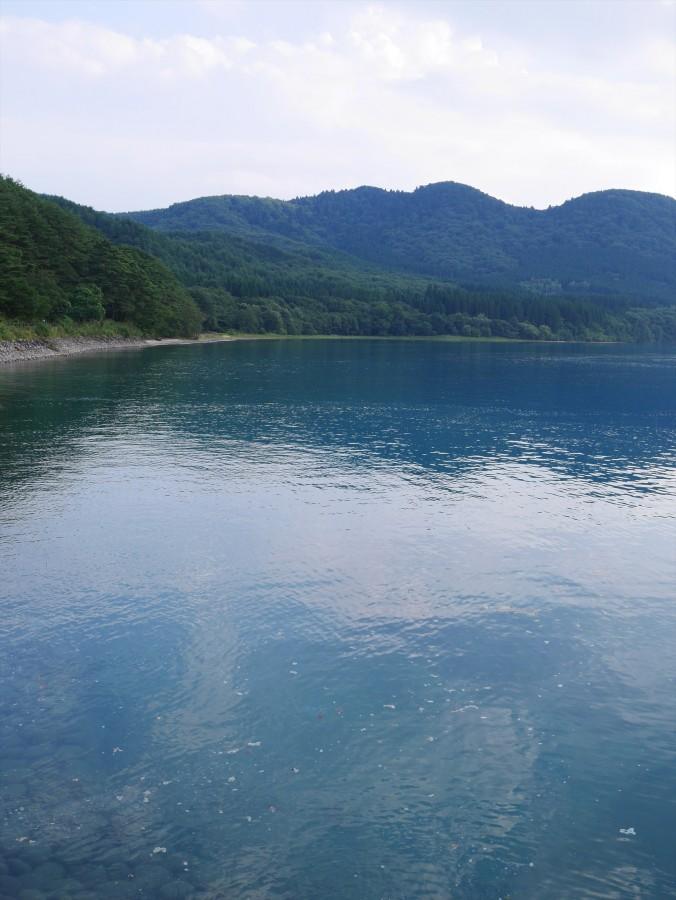 田沢湖の独特な色