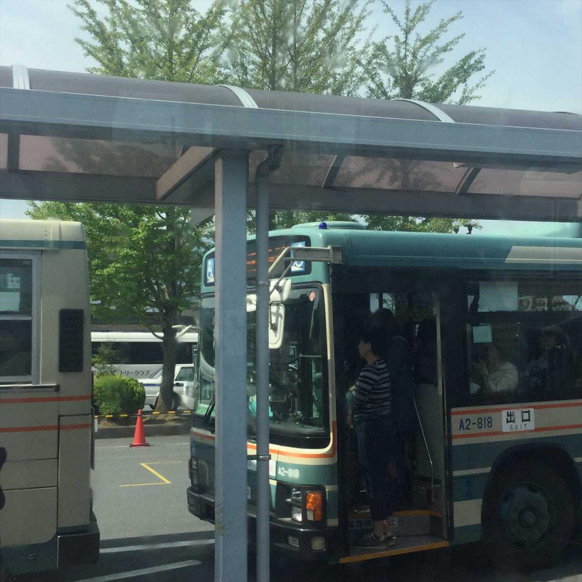 超満員の三峯神社行きバス