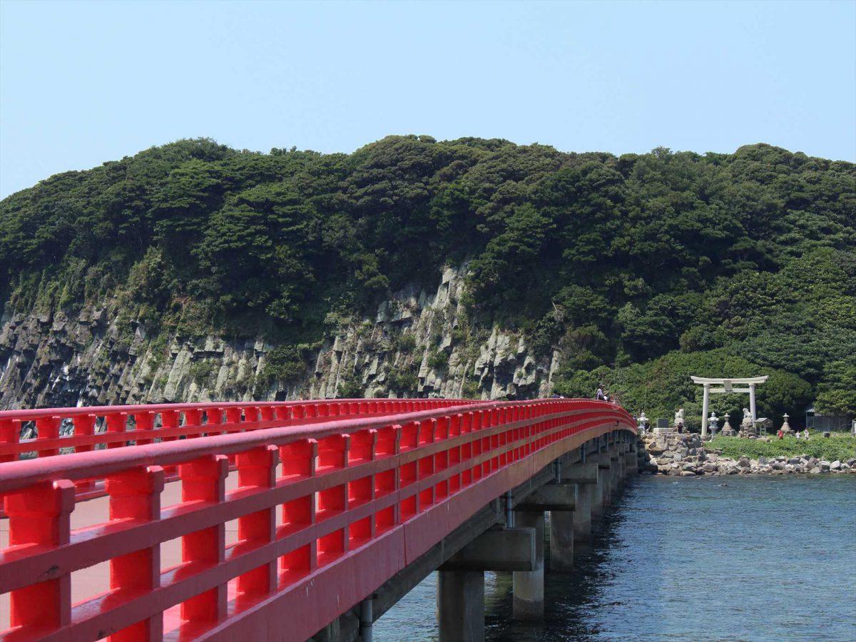 真っ赤な雄島橋