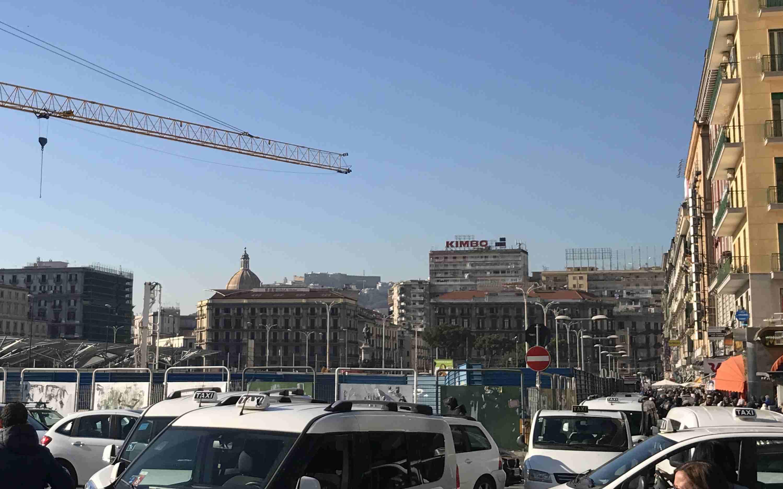 渋滞のナポリ