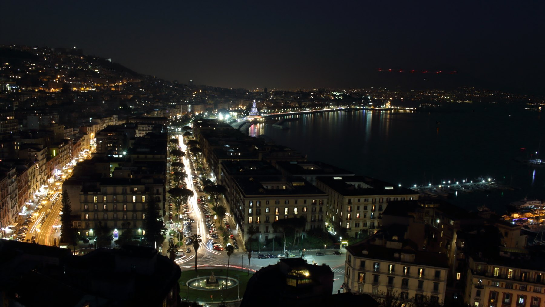 世界三大夜景のナポリ