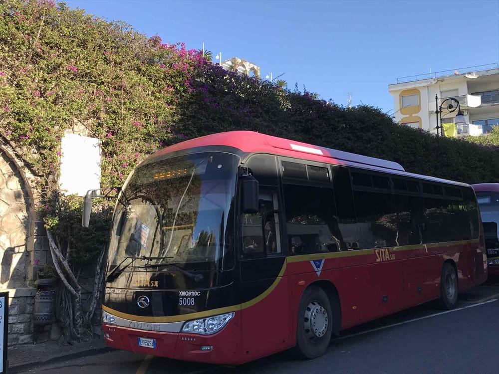 SITA社のポジターノ経由アマルフィ行きのバス