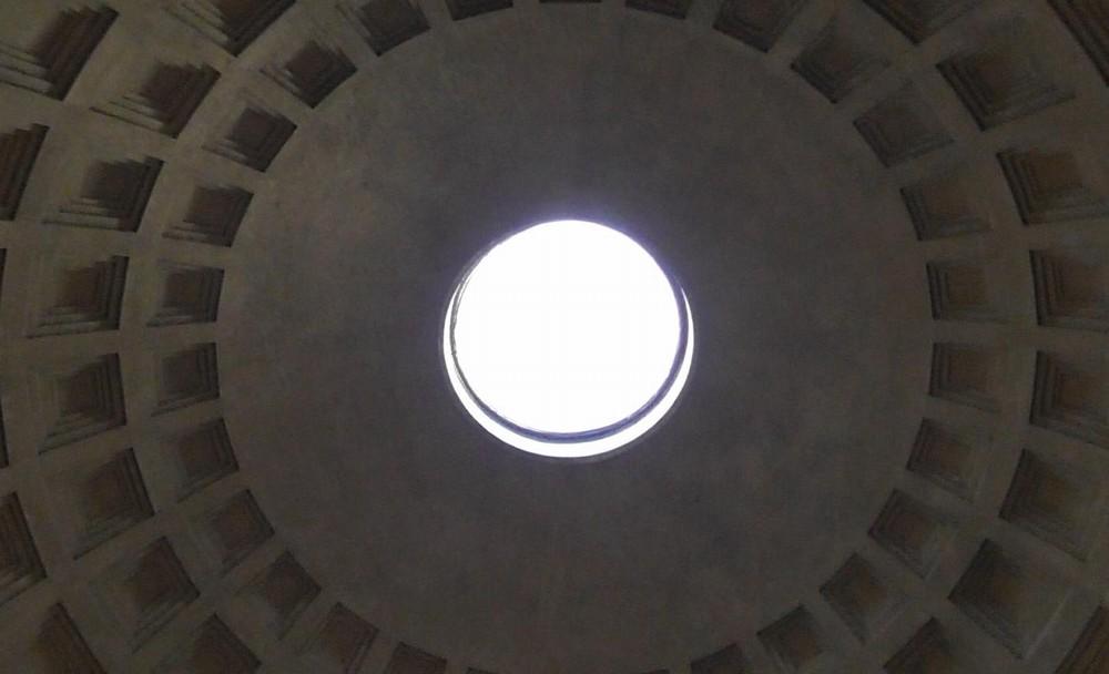 パンテオンの天井の穴