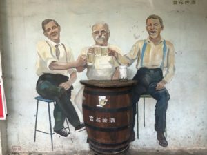 イポー旧市街の壁画アート