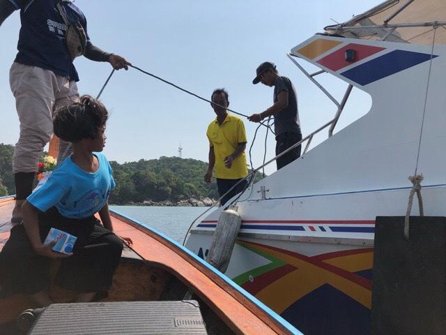 リペ島渡し舟からスピードボートに乗り換え
