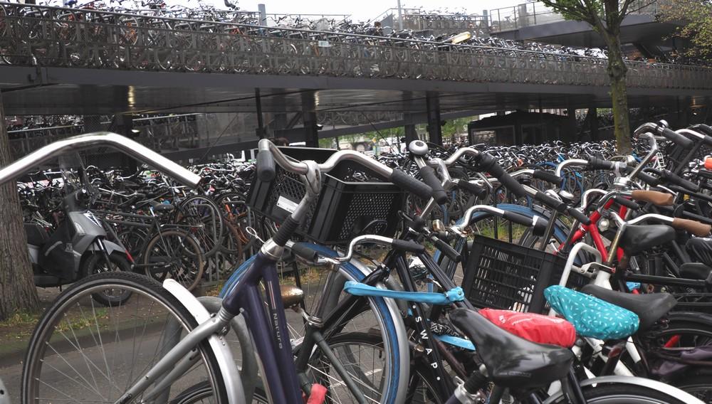アムステルダム駅自転車置き場