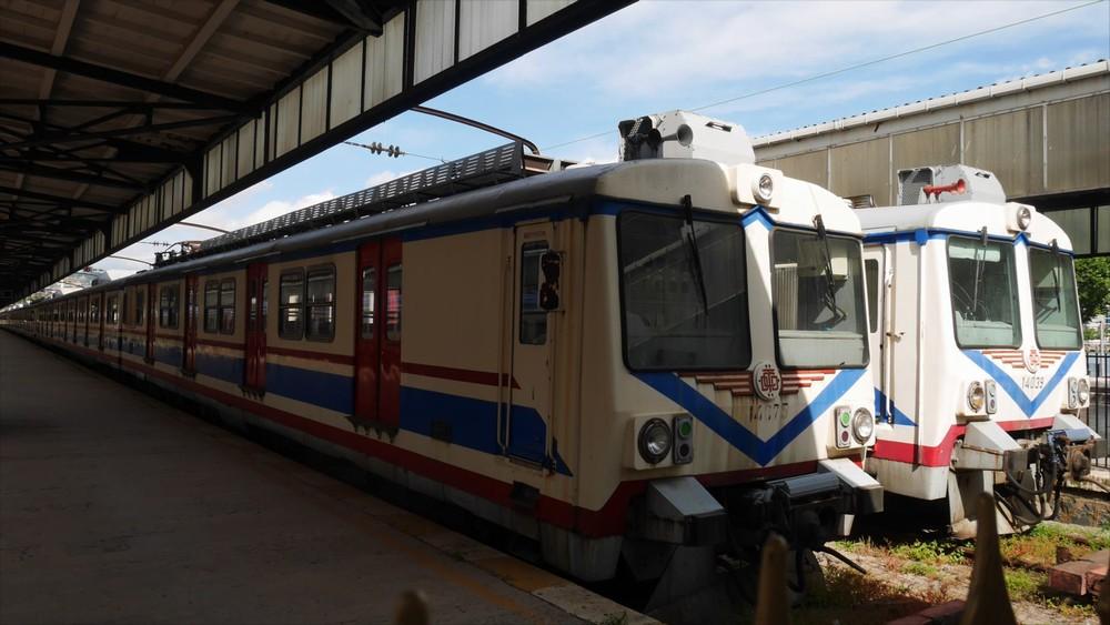 ハイダルパシャ駅の廃列車