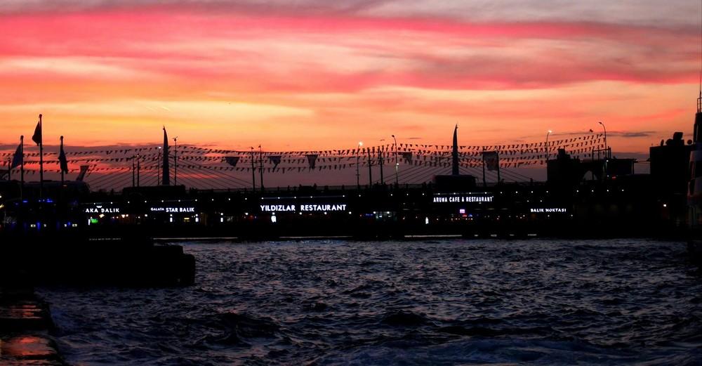 ガラタ橋の夕景
