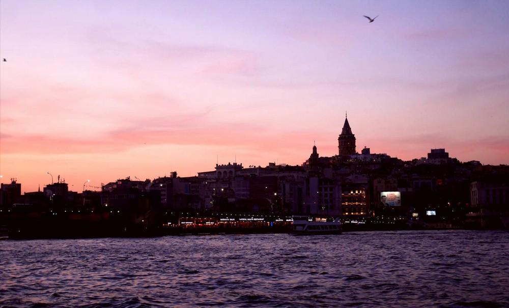ガラタ橋から新市街夕景