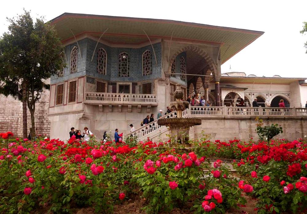 トプカプ宮殿の花畑
