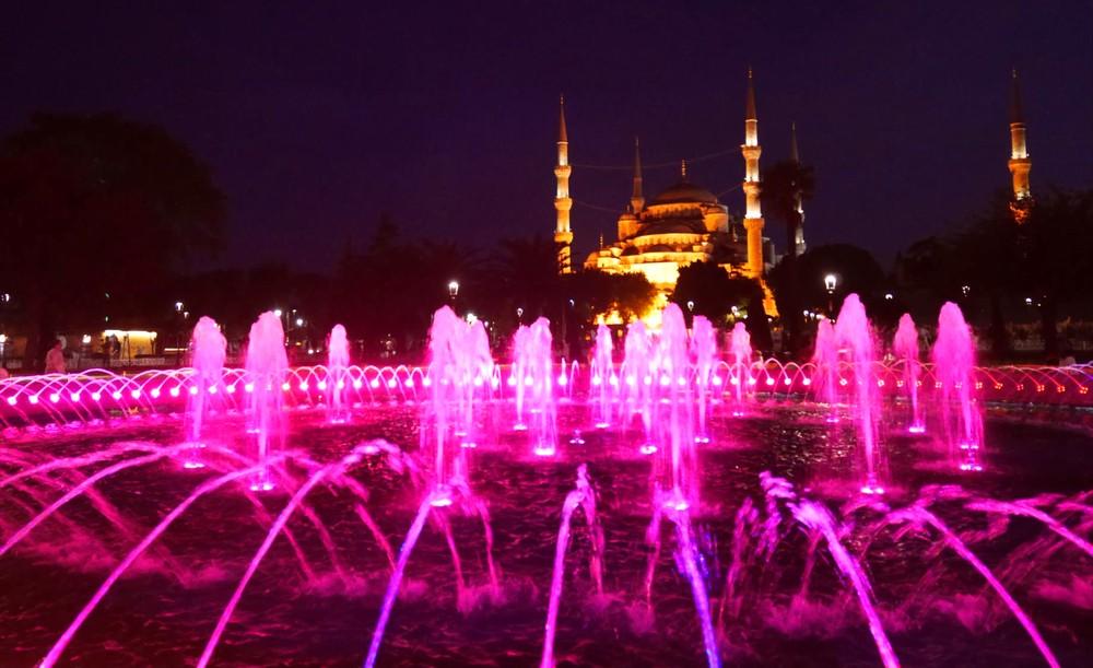 スルタンアフメット噴水ピンク