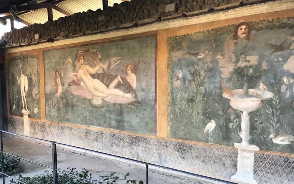 ポンペイ遺跡の女神ヴィーナスの壁画