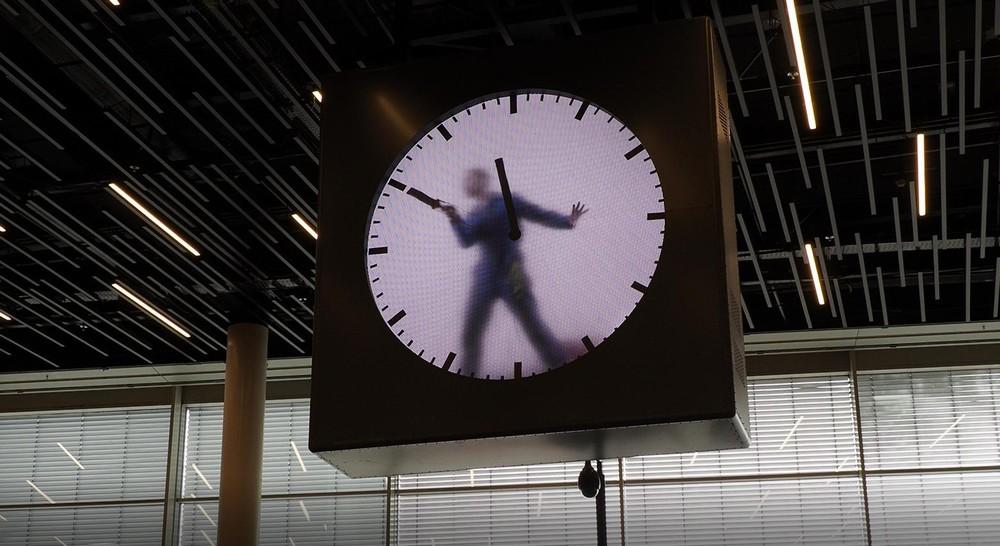 スキポール空港の時計2